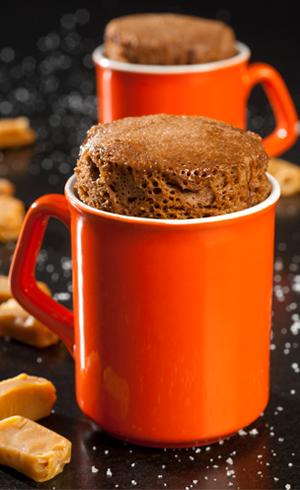 Mug Cake au caramel beurre salé