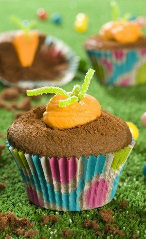 Cupcakes choco-mangue de Pâques façon carottes en terre